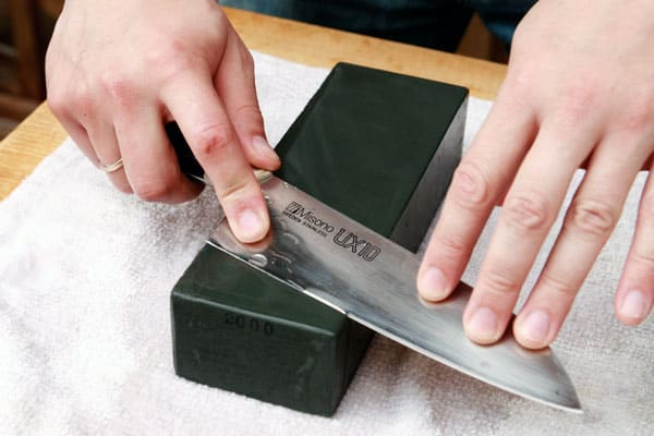 Best Way to Sharpen a Knife with a Stone